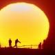 2009年奨励賞 【夕日に向かって】 工藤信朋さん 撮影地:新潟市西蒲区越前浜